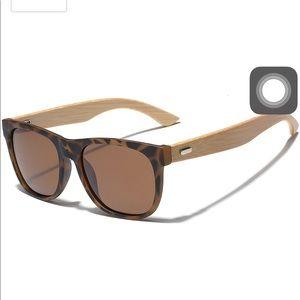 NWT Leico Polarized sunglasses Wood new fashion